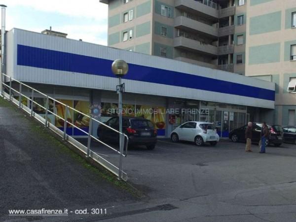 Locale Commerciale  in vendita a Prato, 1640 mq - Foto 1