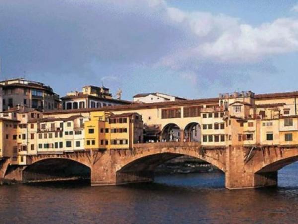 Locale Commerciale  in vendita a Firenze, Arredato, 540 mq - Foto 1