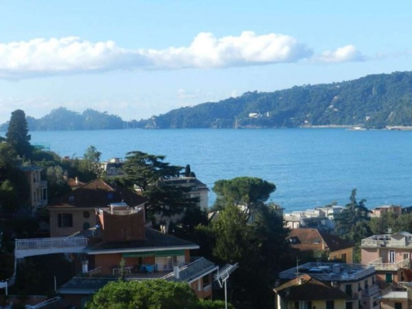 Appartamento in vendita a Rapallo, Parco Casale, 90 mq