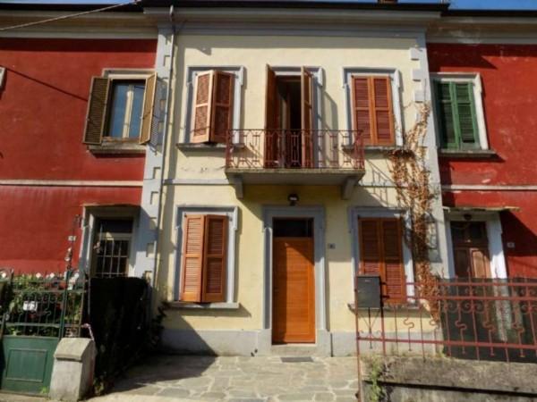 Appartamento in vendita a Sangiano, Centro, 110 mq