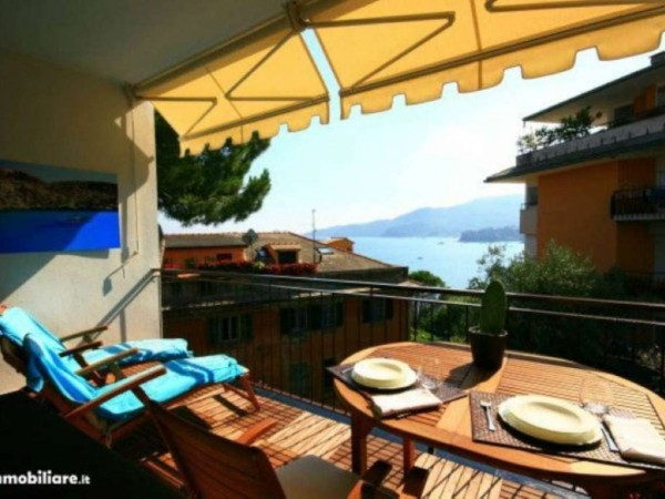 Appartamento in vendita a Rapallo, Punta Seglio, Arredato, con giardino, 77 mq