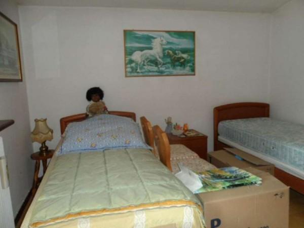 Appartamento in vendita a Cittiglio, Semi Centro, Con giardino, 60 mq - Foto 14