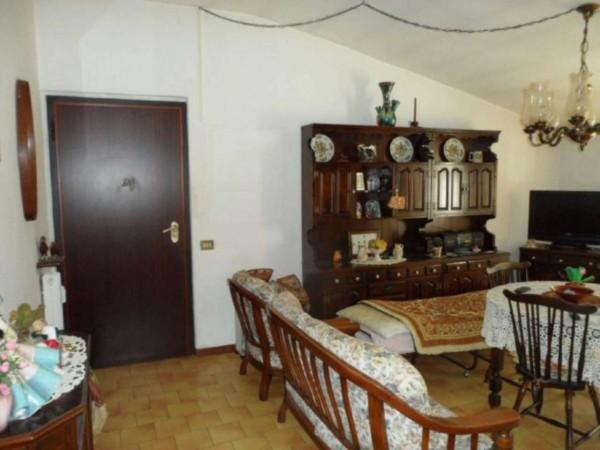 Appartamento in vendita a Cittiglio, Semi Centro, Con giardino, 60 mq - Foto 17