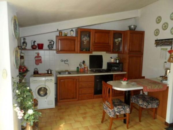 Appartamento in vendita a Cittiglio, Semi Centro, Con giardino, 60 mq - Foto 11