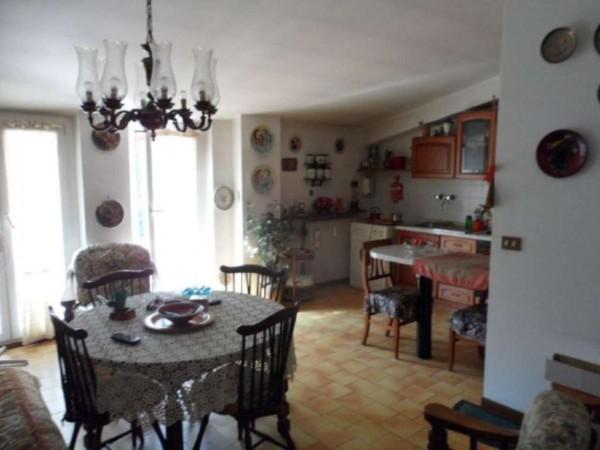 Appartamento in vendita a Cittiglio, Semi Centro, Con giardino, 60 mq - Foto 10