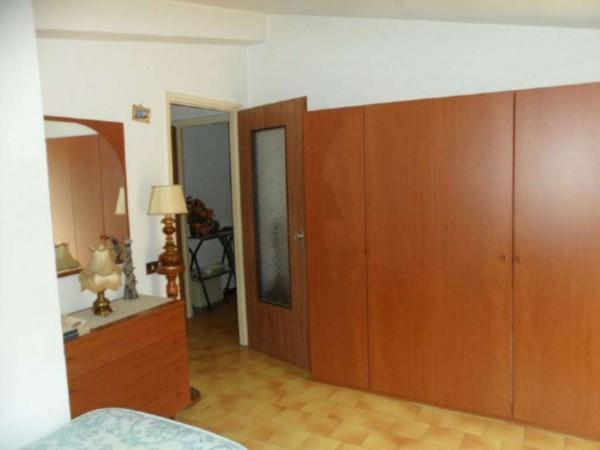 Appartamento in vendita a Cittiglio, Semi Centro, Con giardino, 60 mq - Foto 13