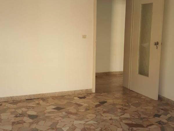Appartamento in vendita a Modena, Con giardino, 100 mq
