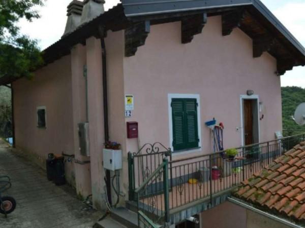 Casa indipendente in vendita a Avegno, Vescina, Con giardino, 173 mq