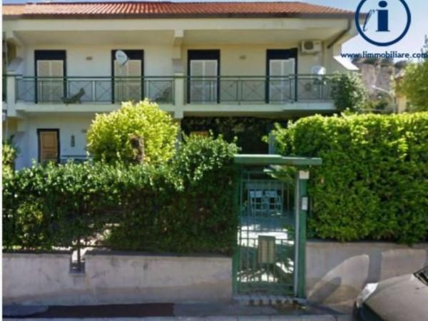 Villetta a schiera in vendita a Caserta, Centurano, 210 mq
