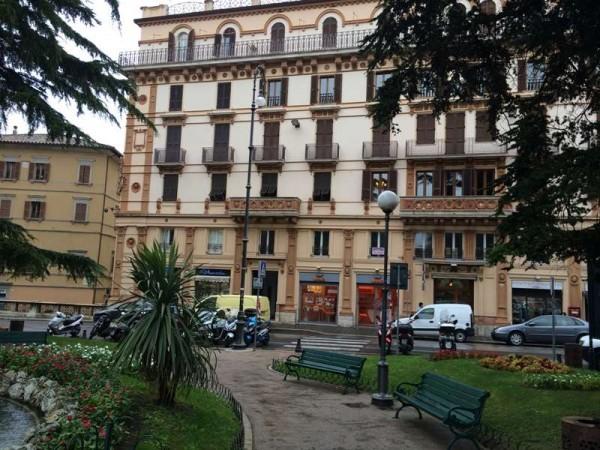 Ufficio in affitto a Perugia, Centro Storico Di Pregio, 250 mq