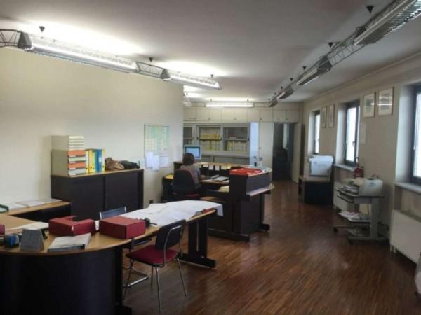 Ufficio in affitto a Nichelino, Con giardino, 415 mq