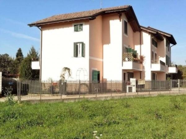 Villa in vendita a Cavaria con Premezzo, 200 mq