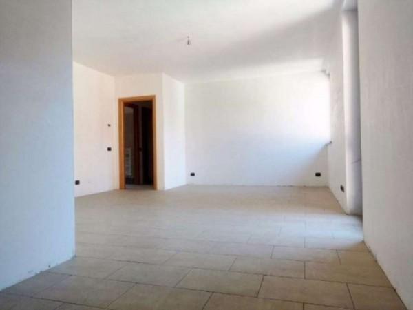 Appartamento in vendita a Cavaria con Premezzo, 100 mq