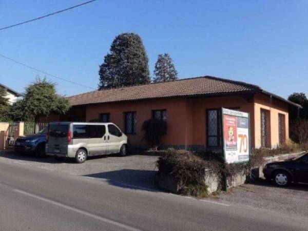 Negozio in vendita a Cavaria con Premezzo, 340 mq