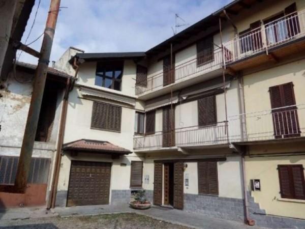 Casa indipendente in vendita a Gallarate, 240 mq