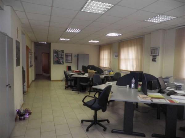 Ufficio in affitto a Perugia, Arredato, 180 mq