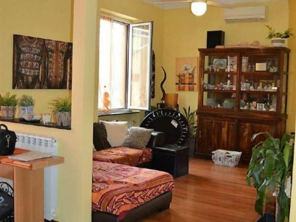 Appartamento in vendita a Genova, Marassi, 90 mq - Foto 1