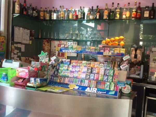 Locale Commerciale  in vendita a Lodi, Arredato, 200 mq