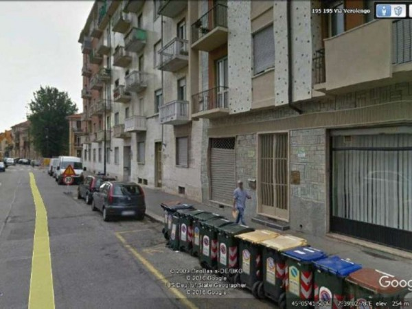 Locale Commerciale  in affitto a Torino, 50 mq