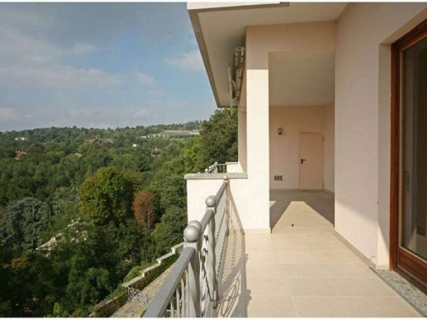 Appartamento in affitto a Moncalieri, Castello, 350 mq - Foto 2