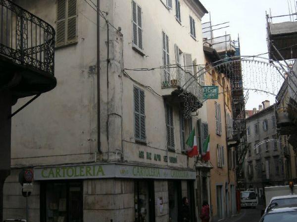 Appartamento in vendita a Mondovì, Breo, 220 mq