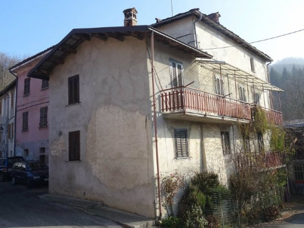 Casa indipendente in vendita a Roburent, Centro, Con giardino, 180 mq