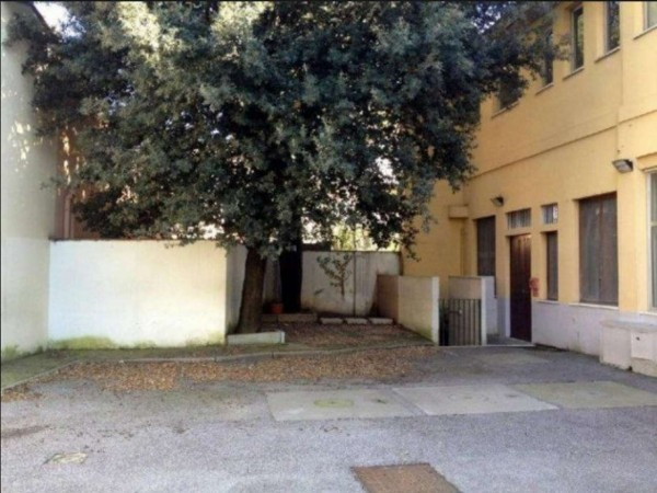 Ufficio in vendita a Firenze, 1000 mq