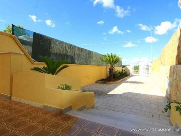 Villa in vendita a Pulsano, Residenziale, Con giardino, 149 mq