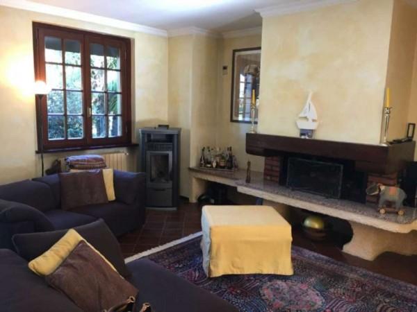 Casa indipendente in vendita a Lesmo, 415 mq - Foto 2