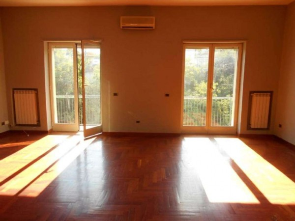 Appartamento in vendita a Napoli, 140 mq
