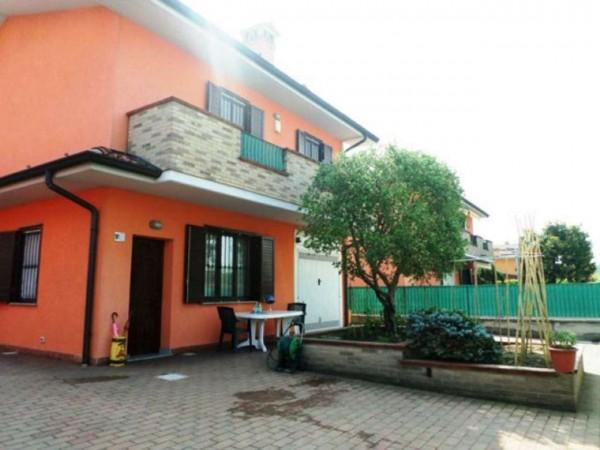 Villa in vendita a Chieve, Residenziale, Con giardino, 155 mq