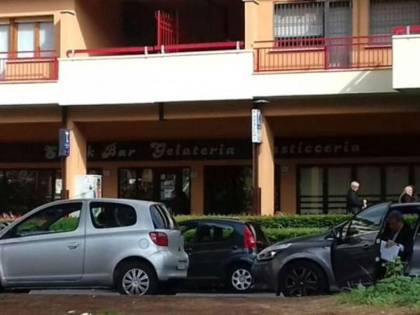 Locale Commerciale  in vendita a Roma, Arredato, 70 mq - Foto 2