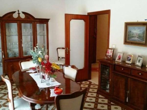 Appartamento in vendita a Caserta, 130 mq
