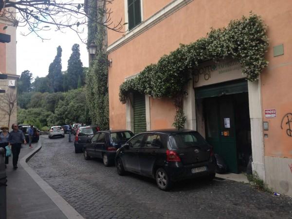 Locale Commerciale  in vendita a Roma, Piazza Della Consolazione, 220 mq - Foto 4