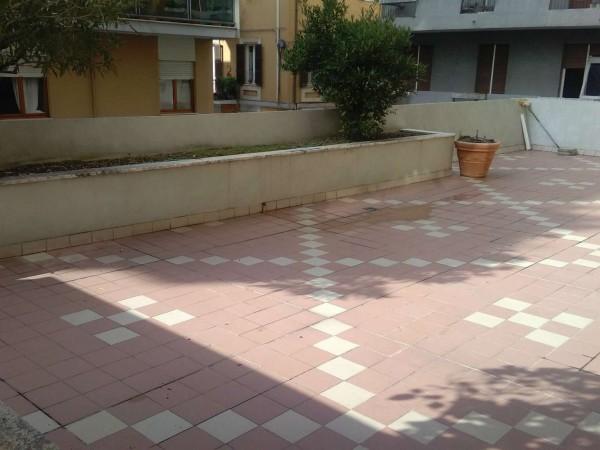 Appartamento in vendita a Pescara, 150 mq
