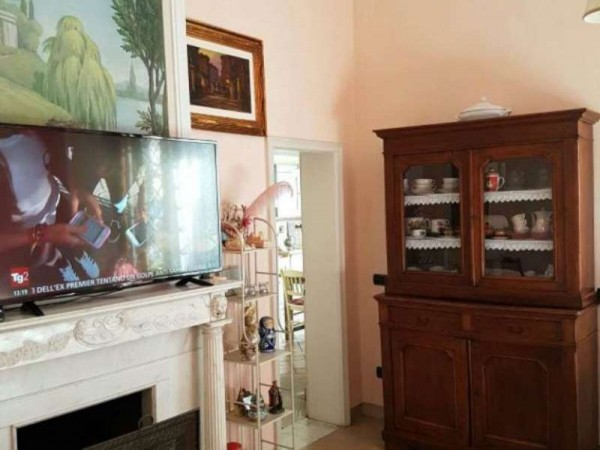 Appartamento in vendita a Campi Bisenzio, Centrale, 350 mq - Foto 1