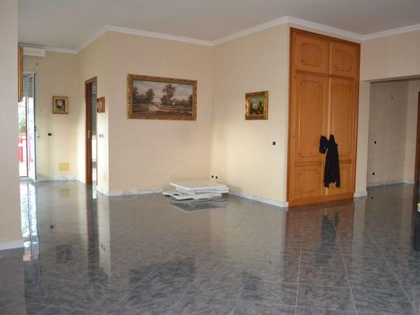 Appartamento in vendita a Roma, Cassia, Con giardino, 215 mq