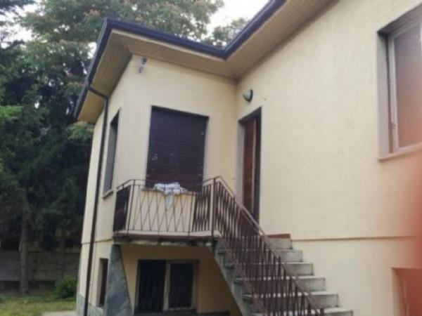 Villa in vendita a Canegrate, 220 mq