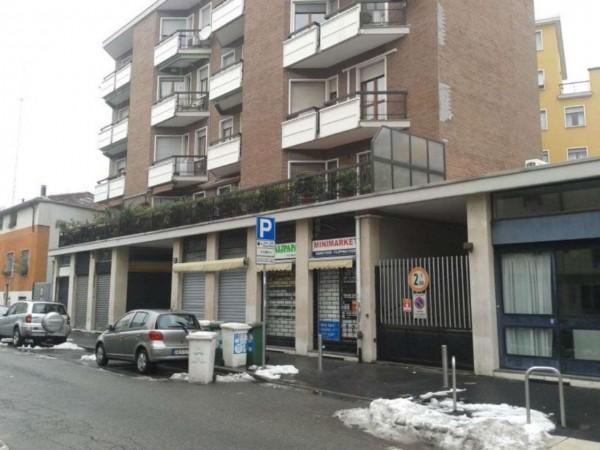 Negozio in affitto a Milano, 28 mq