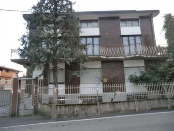 Villa in vendita a Caronno Pertusella, 685 mq - Foto 1