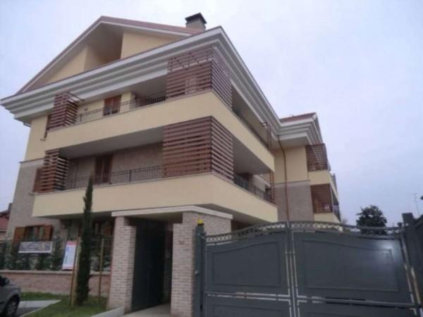 Appartamento in vendita a Arese, 150 mq
