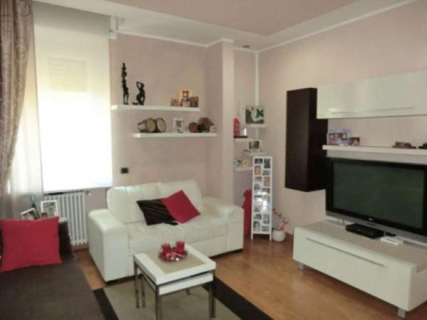 Appartamento in vendita a Rho, Stazione, 90 mq