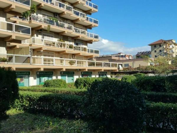 Appartamento in vendita a Caserta, 190 mq