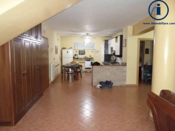 Appartamento in vendita a Caserta, Mercato, 180 mq