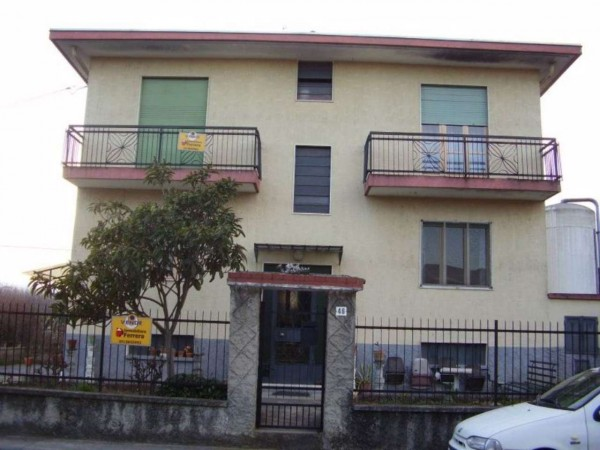Casa indipendente in vendita a Vinovo, 1° Cintura, Con giardino, 360 mq - Foto 1