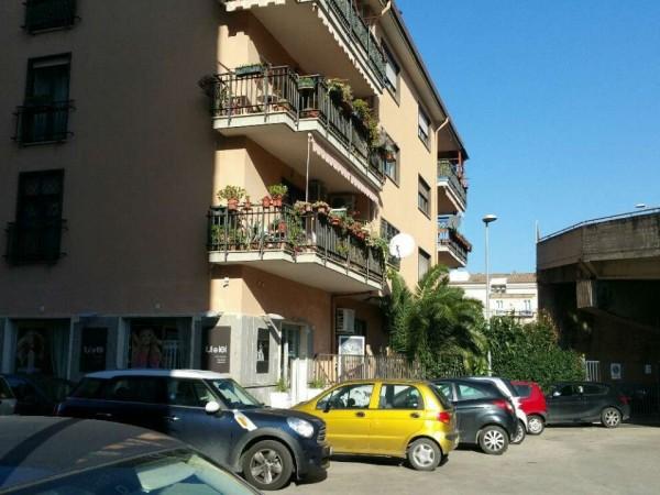 Appartamento in vendita a Caserta, Centro, 100 mq