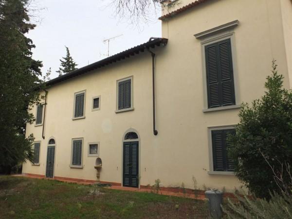 Villa in vendita a Sesto Fiorentino, 420 mq - Foto 1