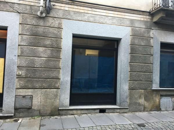 Negozio in affitto a Asti, Centro Storico, 75 mq