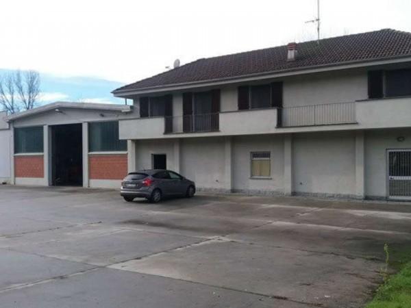 Capannone in vendita a Portacomaro, 1500 mq - Foto 1