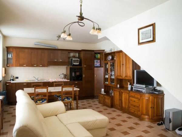 Appartamento in vendita a Cittiglio, Centro, Con giardino, 70 mq - Foto 13
